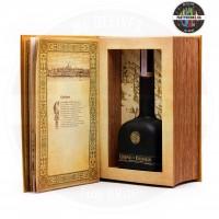 Водка Legend of Kremlin Golden book 700ml 40%